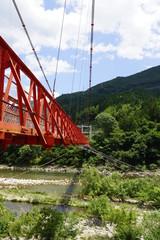 新緑の中部橋