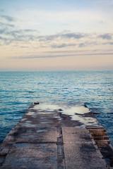 пирс на побережье Черного моря в Крыму