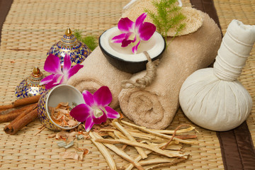 Thai spa massage setting , Massage oil, body scrub, Towels,Cinna