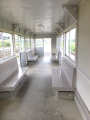 ローカル線の待合室