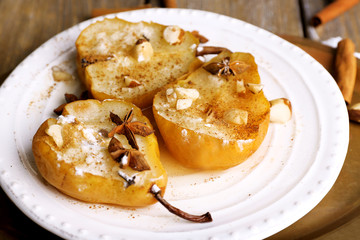 Baked pears with syrup