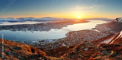 Staande foto Scandinavië Norway city panorama - Tromso at sunset