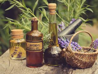 Lavendelernte im Vintage-Look