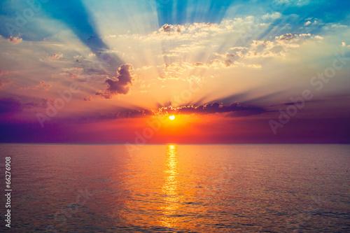 sunrise in the sea - 66276908