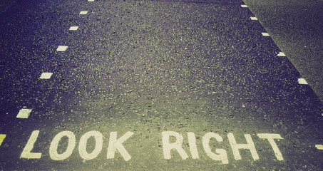 Retro look Look Right sign