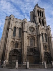 世界遺産「サン=ドニ大聖堂」の外観