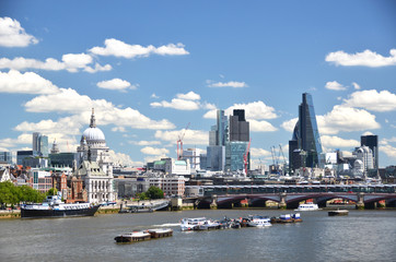 London across Thames river