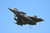 avion de chasse vue de face