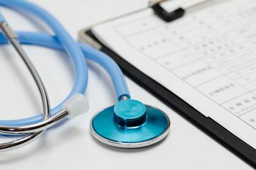 聴診器と健康診断結果