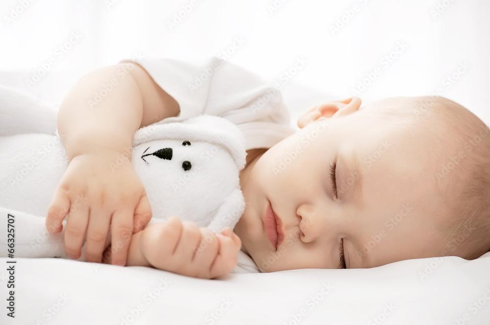 łóżko portret ręka - powiększenie