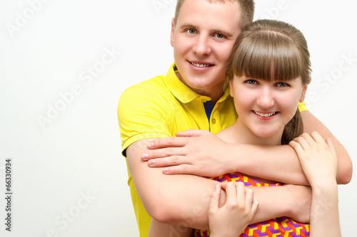 Влюбленные молодые люди