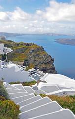 terrasse mit aussicht auf santorin, griechenland