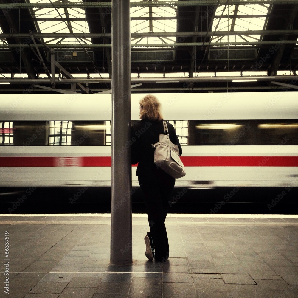 pociąg dama filar - powiększenie