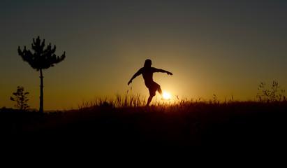 güneşle futbol topu canlandırma