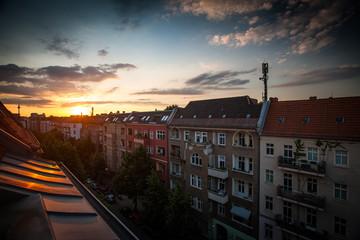 Sonnenuntergang über den Dächern Berlins
