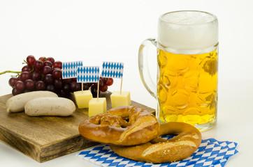 oktoberfest mit weißwurst und massbier
