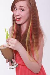 Lebhaft schöner Teenager genießt eine Party