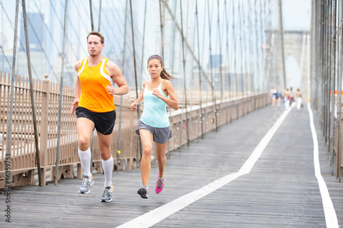 canvas print picture Runners couple running in New York