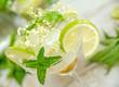 """Cocktail """"Hugo"""" mit Minze, Limetten  und Holunderblütensirup :)"""