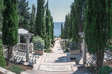 Украина, Крым.Ландшафтный дизайн в парковой зоне