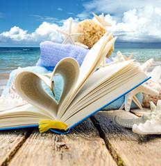 Liebe zum Lesen: Urlaubslektüre am Strand :)