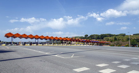 Customs toll road