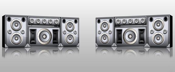 Lautsprecherboxen freigestellt