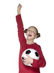 Mädchen (10-13) hält Fußball, Österreich Fan, lächelnd