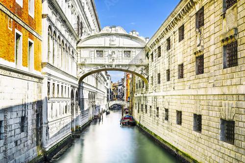 Zdjęcia na płótnie, fototapety na wymiar, obrazy na ścianę : Bridge of Sighs in Venice, Italy
