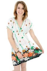 Frau in buntem Sommer-Kleid