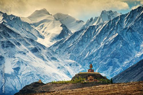Maitreya au monastère de Disket, Ladakh, Inde Poster