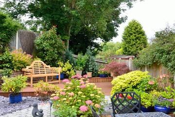 Small pretty english garden