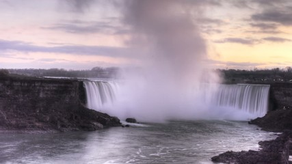 A timelapse view of Niagara Falls at Dusk