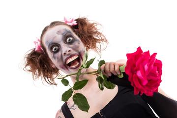 irre Frau mit Rose und Schminke
