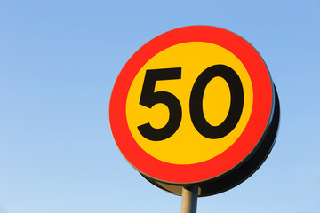Speed limit 50 km / h