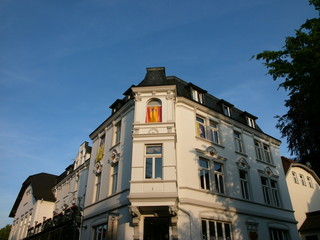 Das alte Stadthotel in Oerlinghausen in der Abendsonne