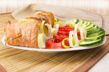 Salmon skewers with vegetables