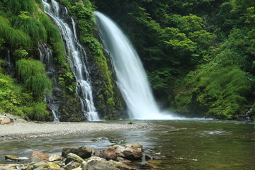 白銀の滝 (銀山温泉)