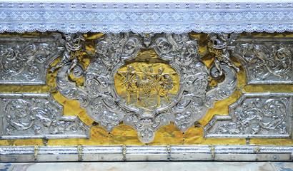 Frontal de altar de plata, catedral de Sevilla, España