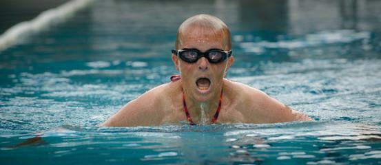Extremsportschwimmerin