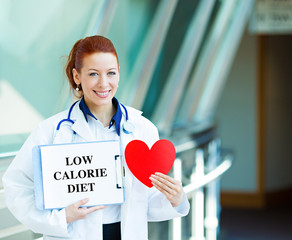 Doctor holding low calorie sign