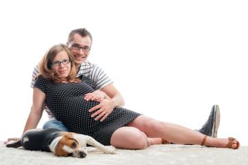 Werdende Eltern mit Hund