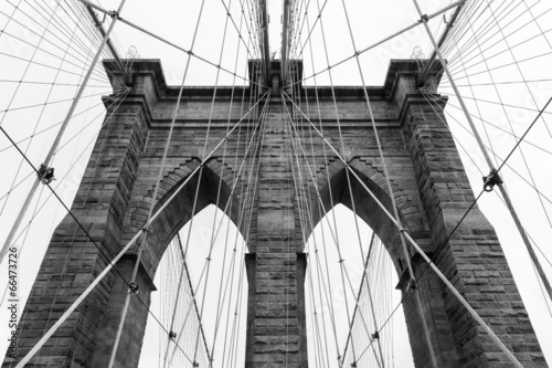 Brooklyn bridge in new york - USA - 66473726