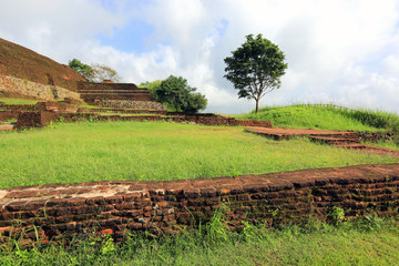 ruins of old Sigiriya castle
