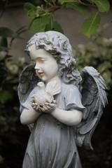 Engel mit Taube