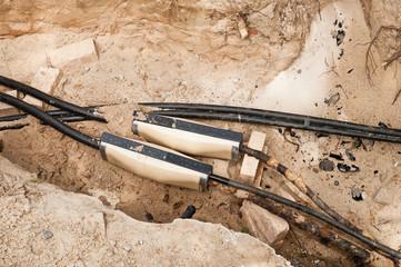 Arbeiten an der Stromversorgung - Neue Kabelverbindungen