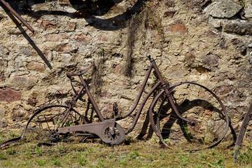 Abandoned old bike