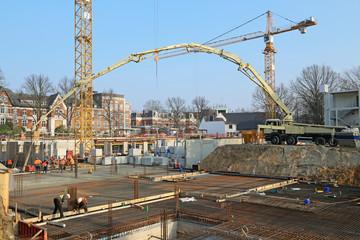 Großmastpumpe auf Baustelle