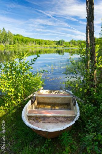 Staande foto Scandinavië Summer morning on Swedish lake