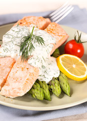 Salmon with steamed asparagus